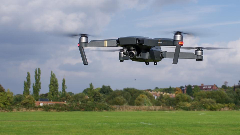 Nghề chụp hình bằng flycam