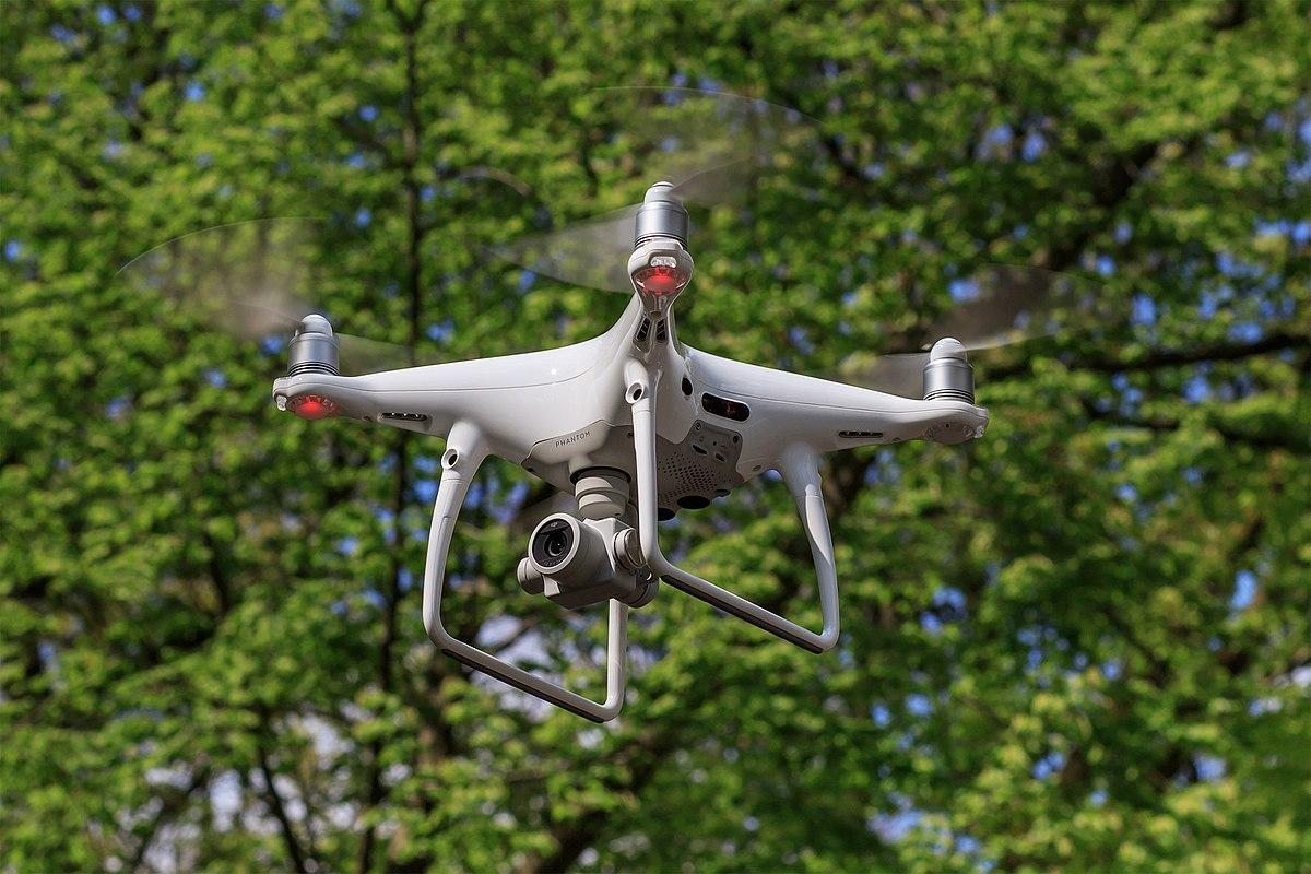 Chụp ảnh flycam 360 độ