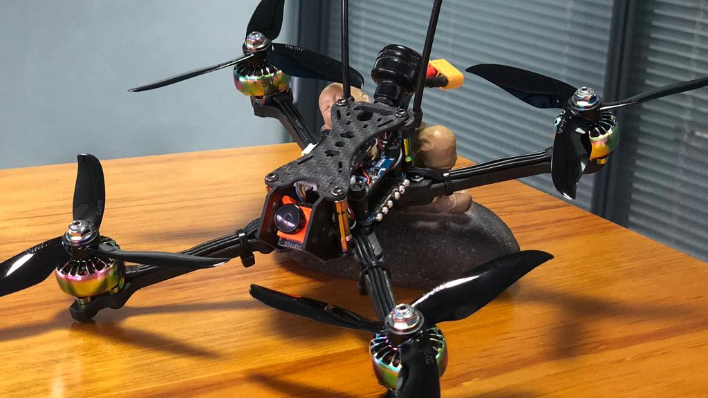 fpv drone là gì ?